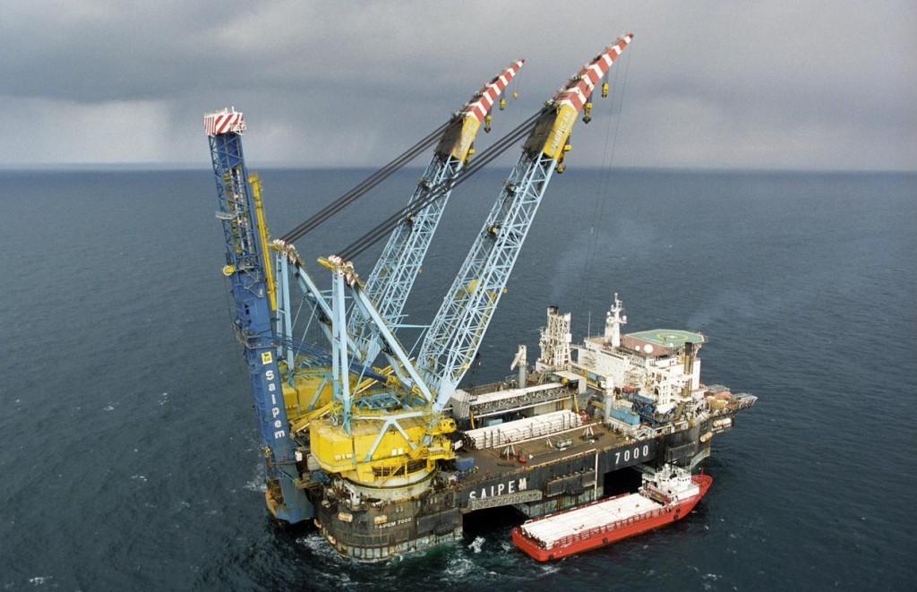 Impianto off-shore di pipe handling